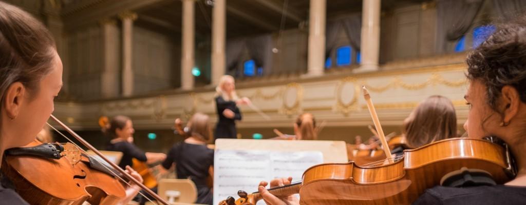 Becas para alumnos de escuelas de música de las sociedades musicales