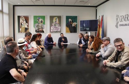 El conseller Vicent Marzà rep els nominats valencians als Premis Max