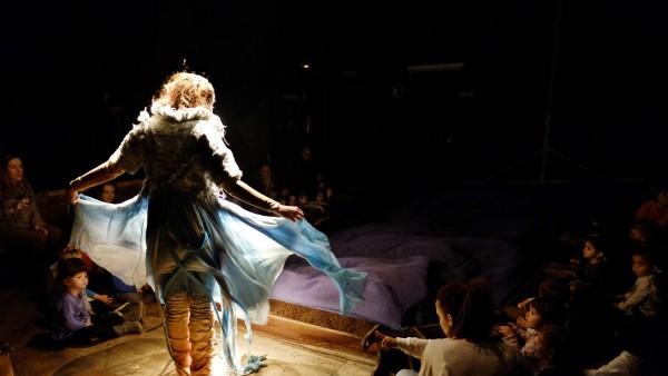 El Teatre Arniches oferirà l'espectacle per a públic familiar 'Loo'