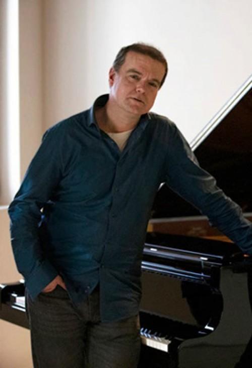 Carlos Alpellániz, piano