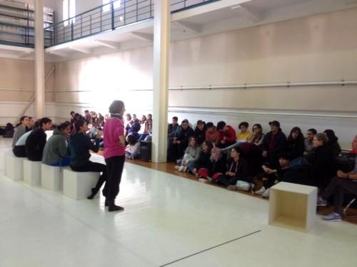 Assaig obert de Més a prop amb alumnes de l'IES Vicent Andrés Estellés