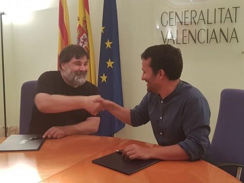 El conseller d'Educació, Cultura i Esport, Vicent Marzà, signa el primer conveni de col·laboració entre l'Institut Valencià de Cultura i la Federació Coordinadora de Muixerangues