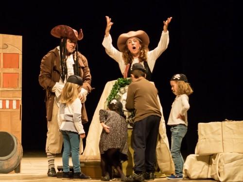 PIRATAS AL ABORDAJE EN HALLOWEEN de Tramant Teatre